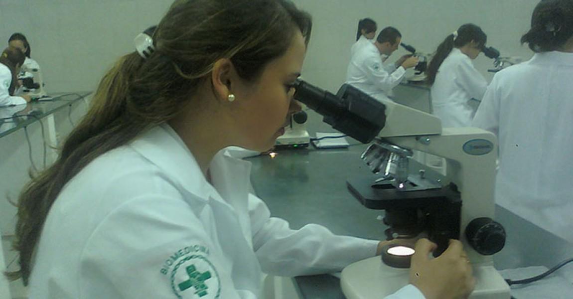 Conheça o Curso de Biomedicina Esamaz