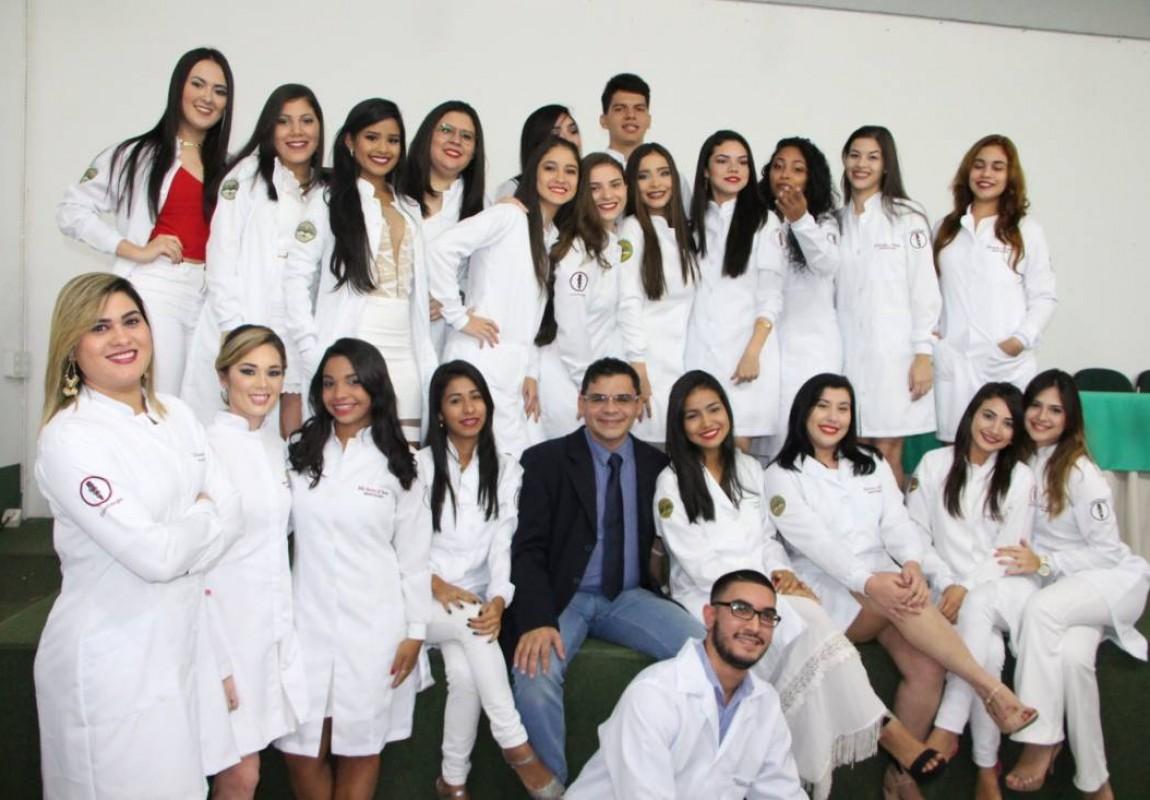 Calouros de Odontologia 2017 participam da Cerimônia do Jaleco na Esamaz