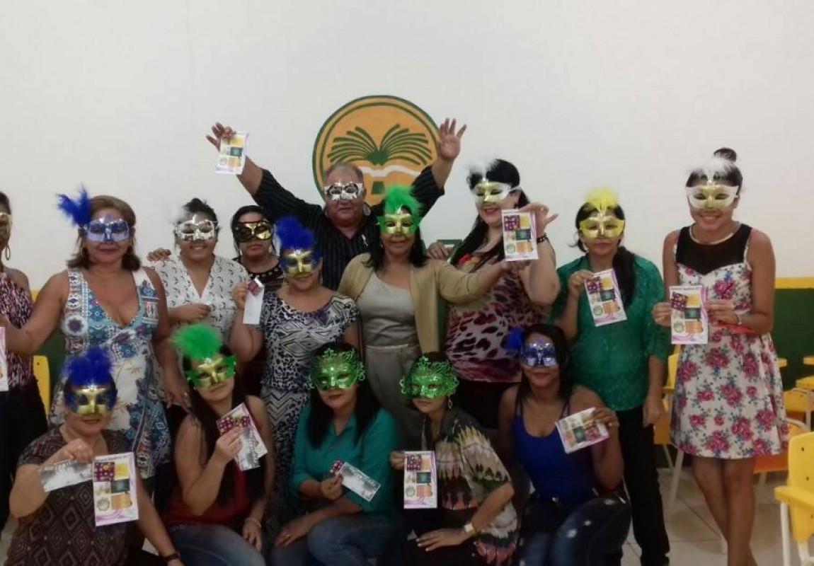 Curso de Serviço Social promoveu ação de carnaval na Esamaz