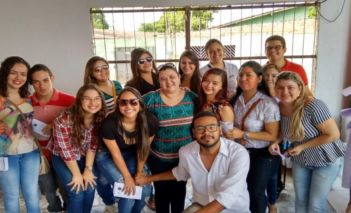 Alunos de Biomedicina participam de ação em igreja de Ananindeua