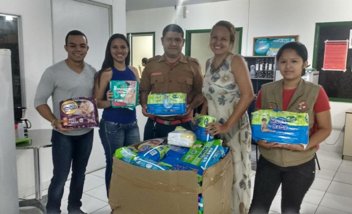 Curso de Nutrição doa fraldas para Banco de Leite da Santa Casa