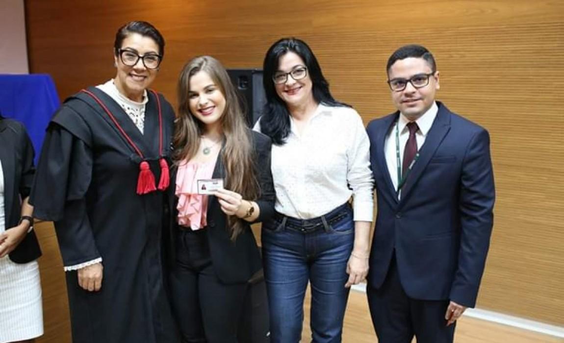 50 novos advogados recebem credenciais da OAB/Pa em cerimônia realizada na Esamaz