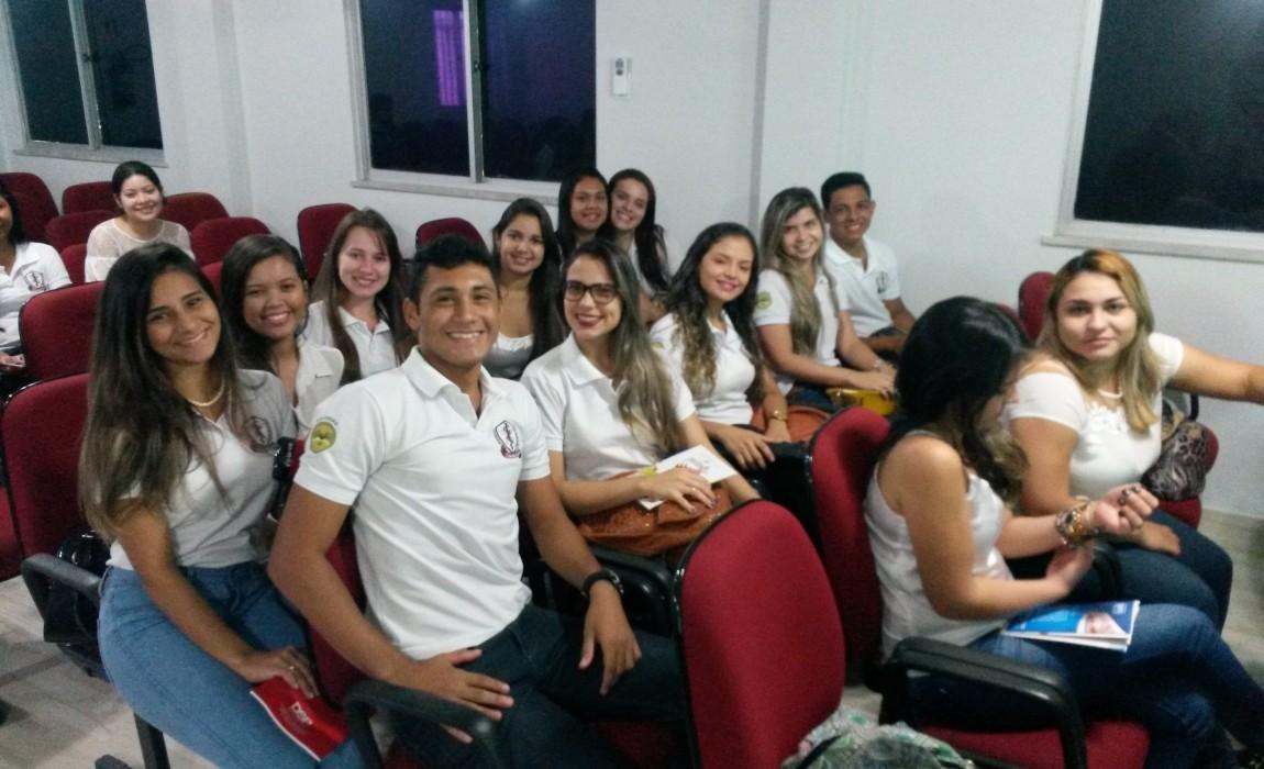 Alunos da Esamaz assistem palestras no Conselho Regional de Odontologia