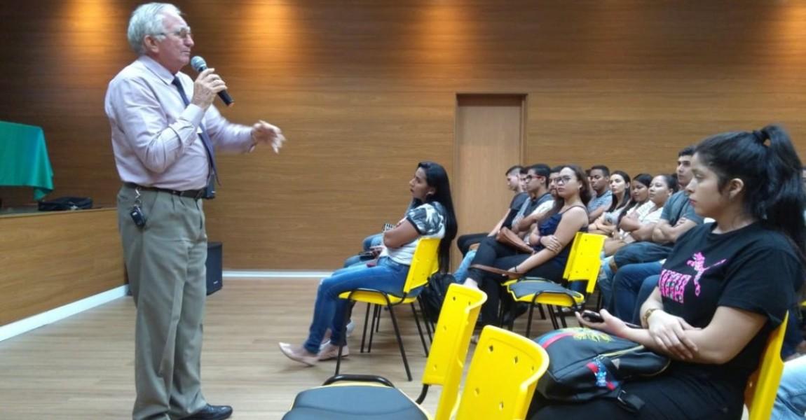 Acadêmicos de Enfermagem da Esamaz assistem palestra sobre Atendimento  Pré Hospitalar