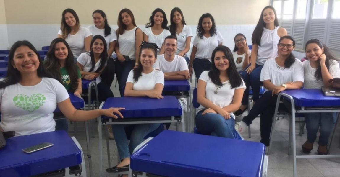 Acadêmicos de Enfermagem promovem ação sobre saúde do adolescente na Escola Benjamin Constant