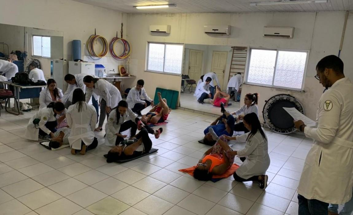 Acadêmicos de Fisioterapia da Esamaz participam de atividade no NASF Águas Lindas, em Ananindeua