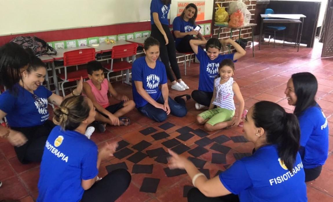 Acadêmicos de Fisioterapia da Esamaz promovem ação na Ilha do Combu, em Belém