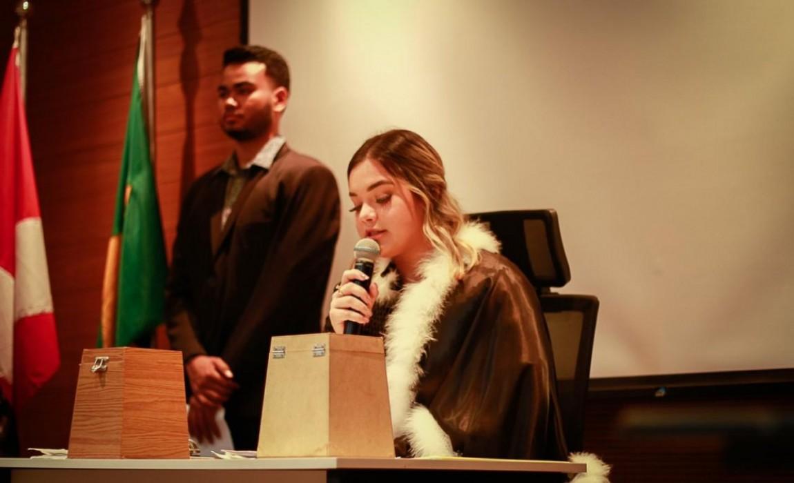 Acadêmicos do Curso de Direito participam de Júri Simulado na Esamaz