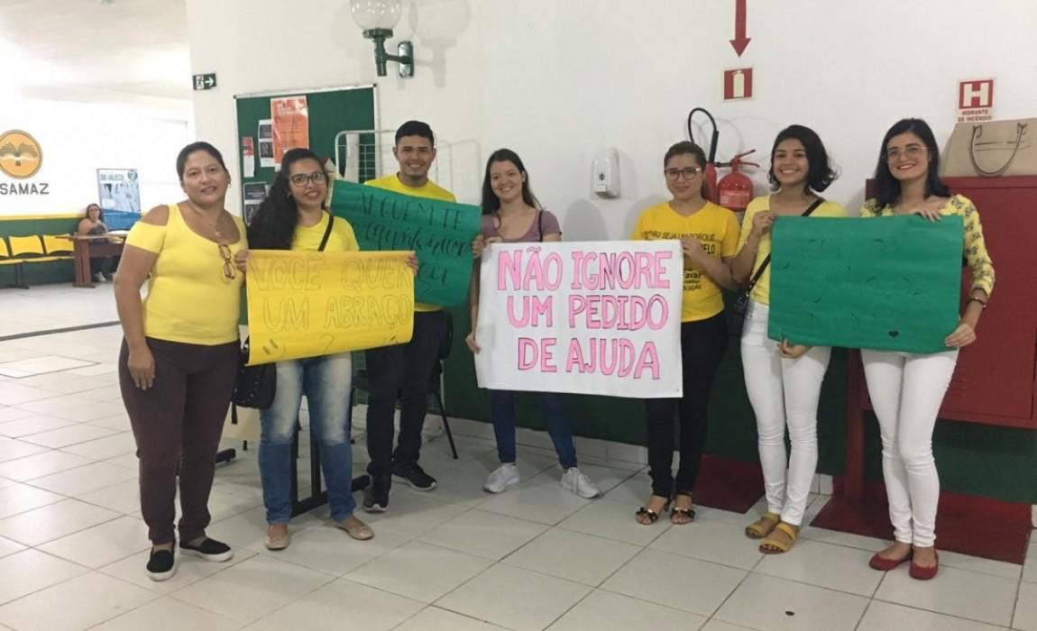 Acadêmicos de Enfermagem promovem ação dentro da Campanha Setembro Amarelo