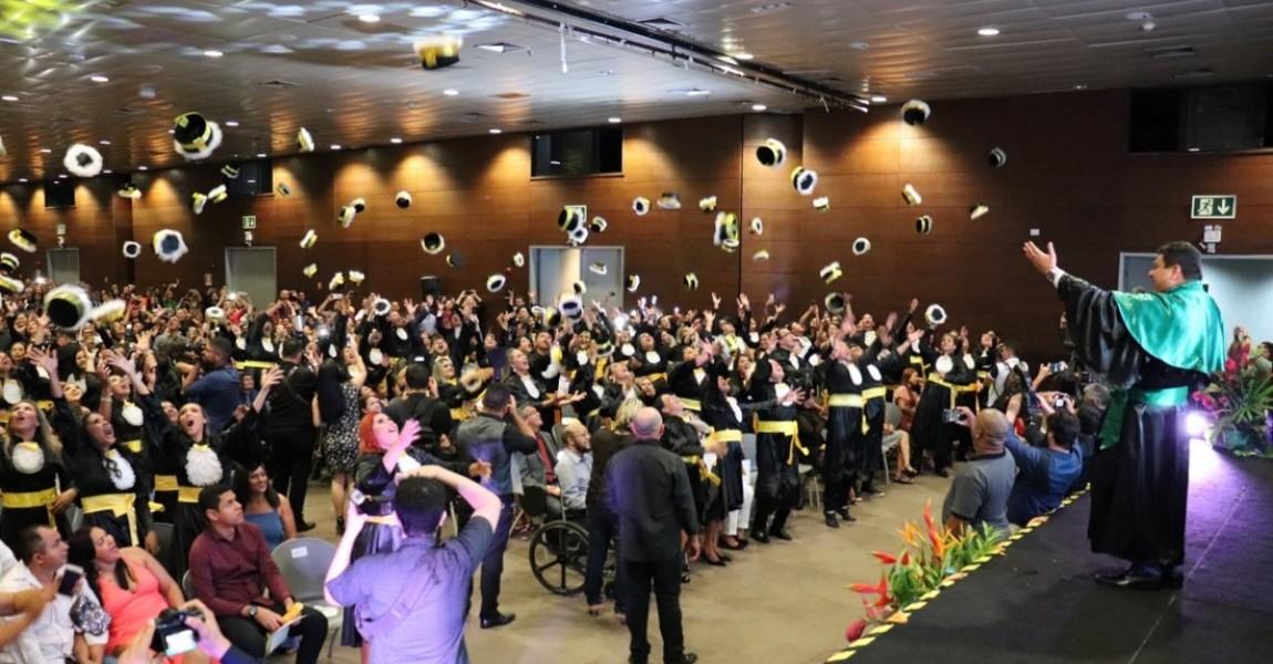 Alegria e emoção marcaram as Solenidades de Formatura dos concluintes 2019-2 da Esamaz