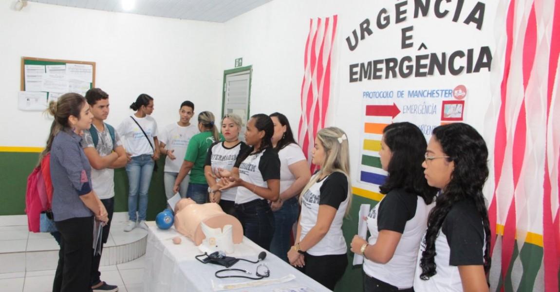 Alunos apresentam trabalhos científicos na Semana Acadêmica de Enfermagem