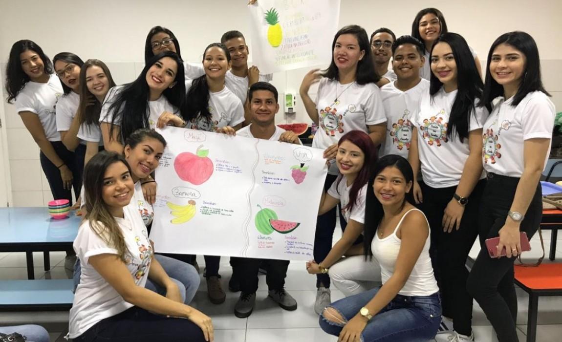 Alunos de Enfermagem realizam ação da Semana Acadêmica em escola particular de Belém