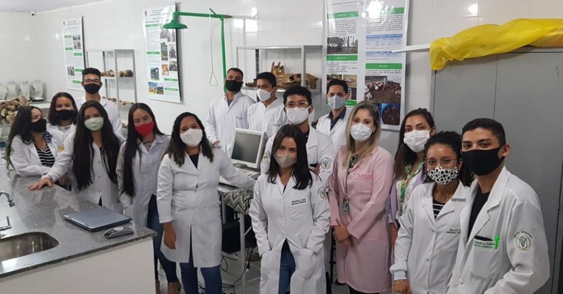 Alunos de Medicina Veterinária da Esamaz têm aula sobre fisiologia animal e biofísica