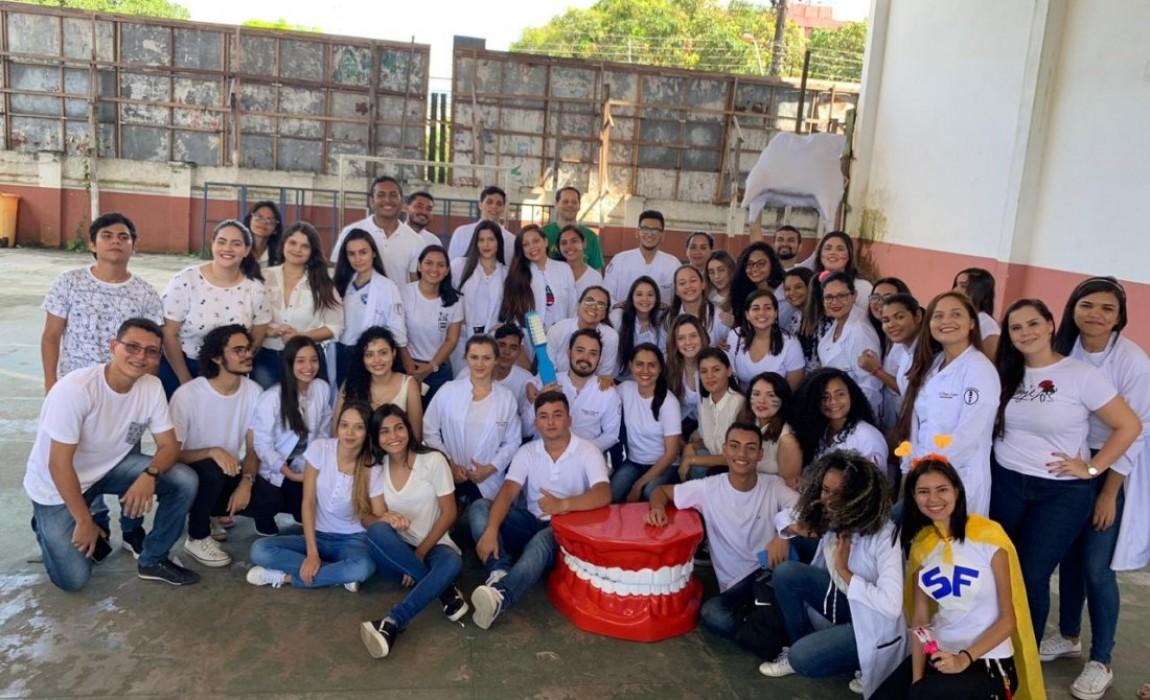 Alunos de Odontologia promovem ação social na Igreja de Nossa Senhora de Aparecida, em Belém