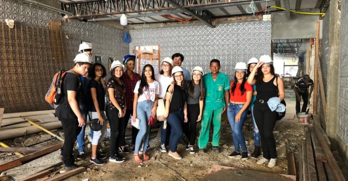 Alunos do Curso de Arquitetura e Urbanismo visitam canteiro de obras em Belém