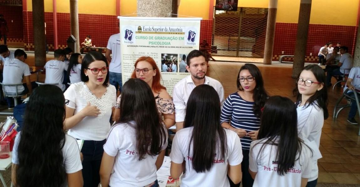 Curso de Psicologia da Esamaz participa da Feira Vocacional do Colégio Santa Rosa