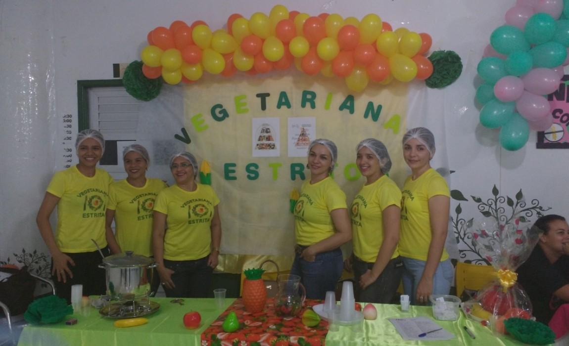 Alunos de Nutrição realizam Mostra Gastronômica e palestra em feira de Belém