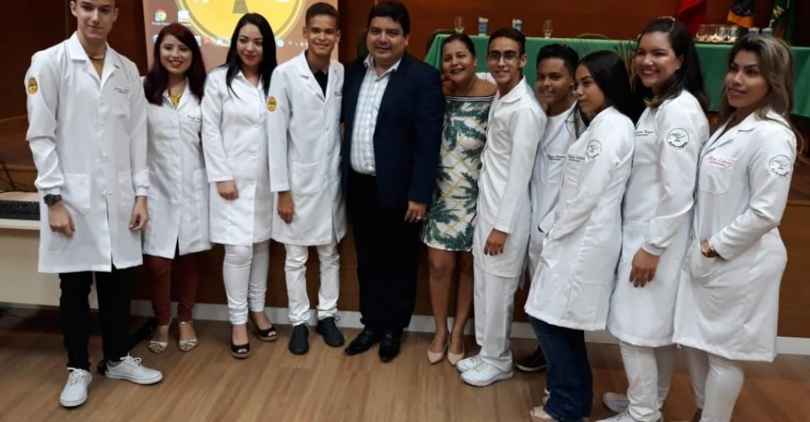 Cerimônia do Jaleco reúne alunos de Biomedicina, Fisioterapia, Farmácia, Enfermagem, Nutrição e Educação Física
