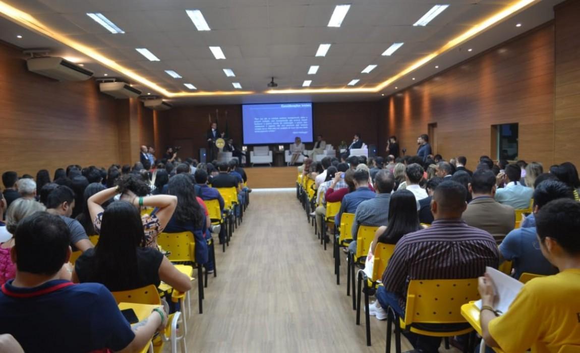 II Semana Acadêmica do Curso de Direito da Esamaz discute as inovações tecnológicas e as queimadas na Amazônia