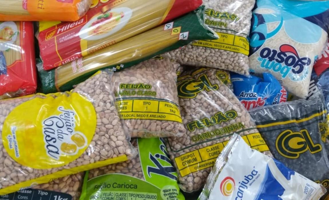 Curso de Farmácia da Esamaz doa alimentos para Casa de Plácido, em Belém