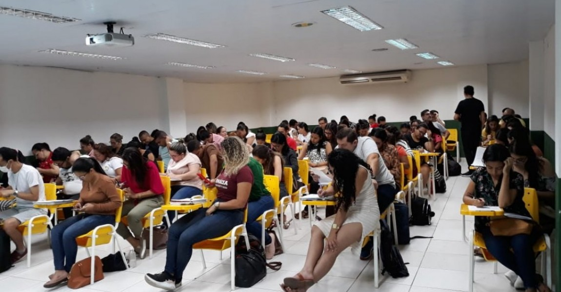 Acadêmicos de Farmácia da Esamaz participam da primeira Oficina de Química promovida pelo curso
