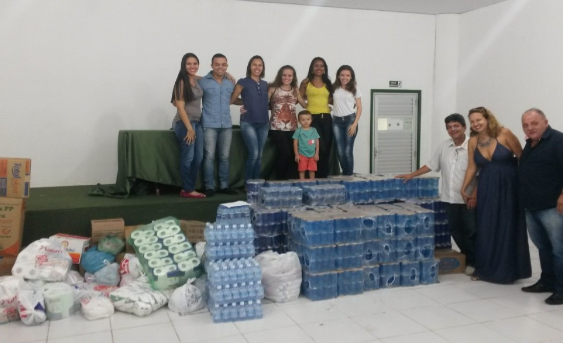 Alunos de Nutrição fazem doação para Guarda de Nossa Senhora de Nazaré