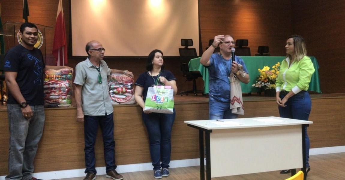 Esamaz doa alimentos para o Abrigo Domingos Zaluth e beneficia índios venezuelanos em Belém