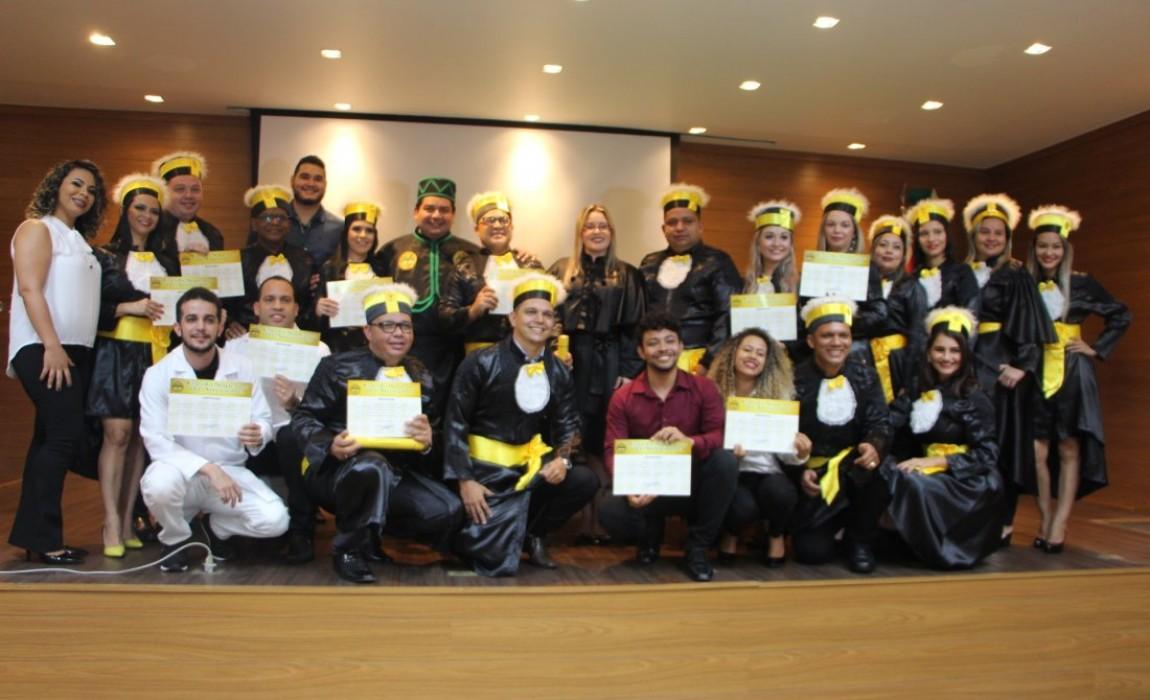 Esamaz realiza cerimônia de formatura de turma de Bacharelado em Farmácia
