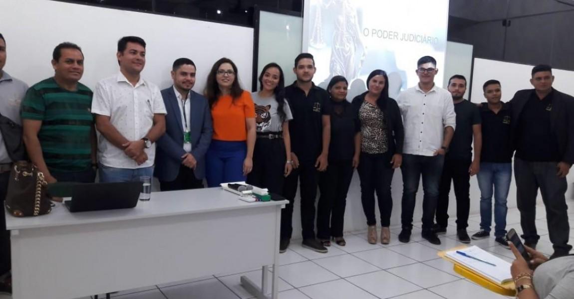 Juíza do Tribunal de Justiça do Estado do Pará participa de aula do curso de Direito da Esamaz Abaetetuba