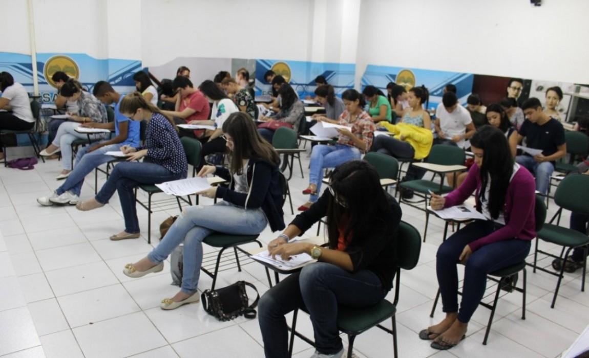 Mais de mil candidatos vão fazer a prova do Vestibular da Esamaz neste domingo