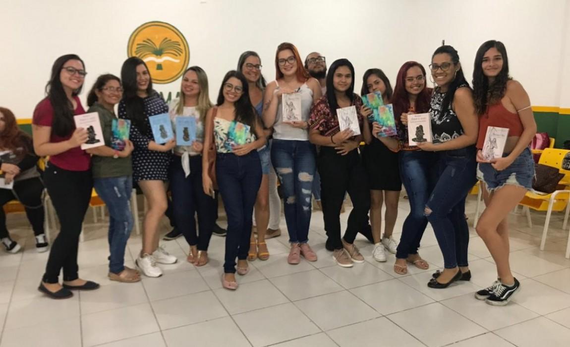 Novos alunos do Curso de Psicologia ganham recepção especial na Esamaz