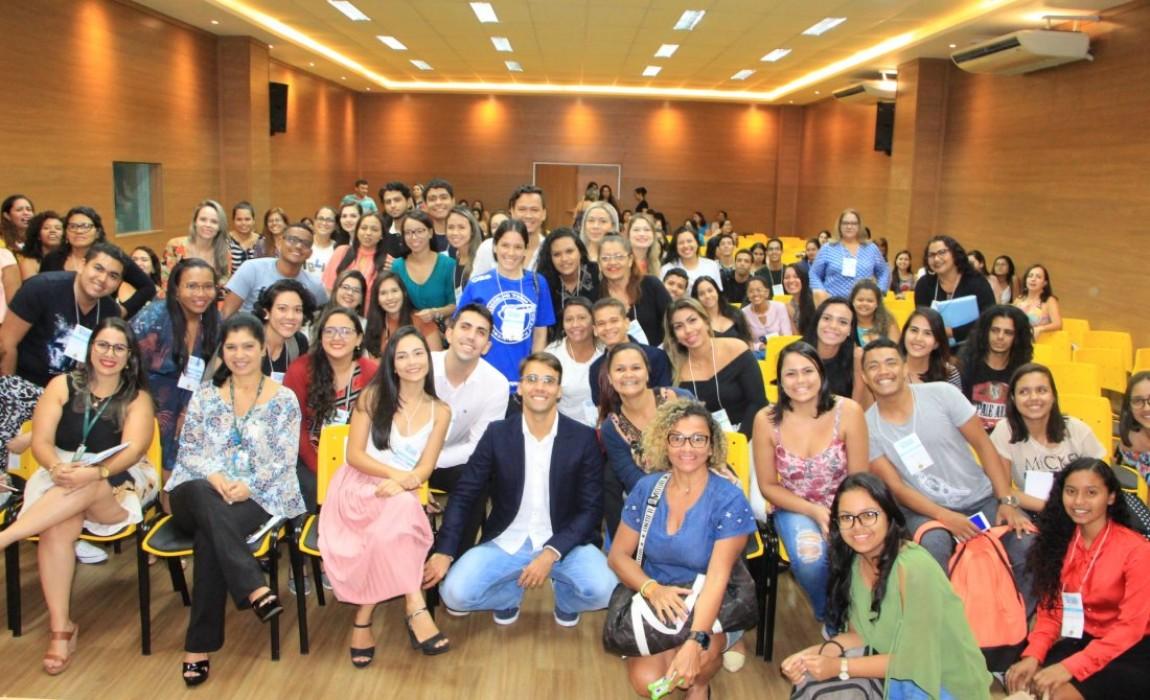 Palestra de Daniel Cady marca encerramento do I Congresso Multiprofissional da Saúde da Esamaz