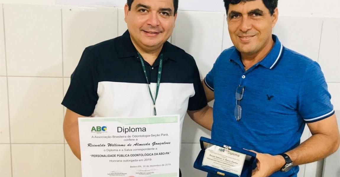 Vice-diretor Geral da Esamaz recebe diploma da Associação Brasileira de Odontologia do Pará - ABO-PA