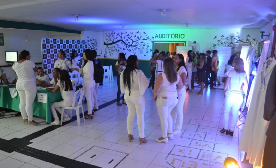 Semana Acadêmica de Enfermagem da Esamaz exibe filme sobre Ana Nery e exposição
