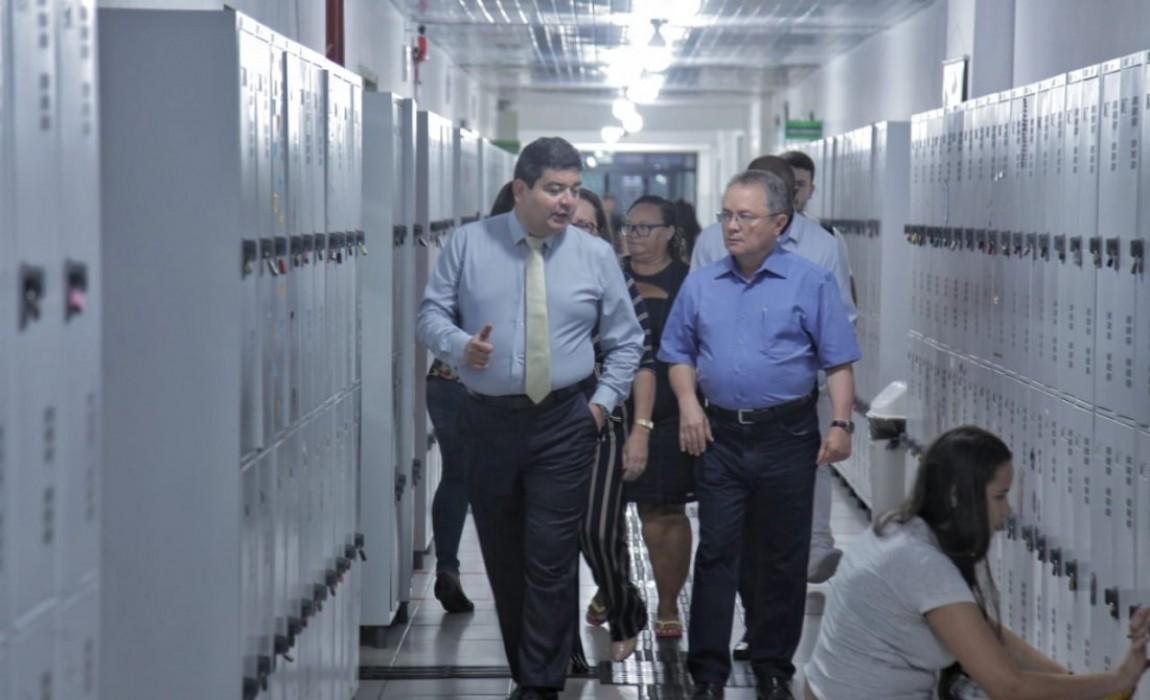 Senador Zequinha Marinho visita sede da Esamaz, em Belém