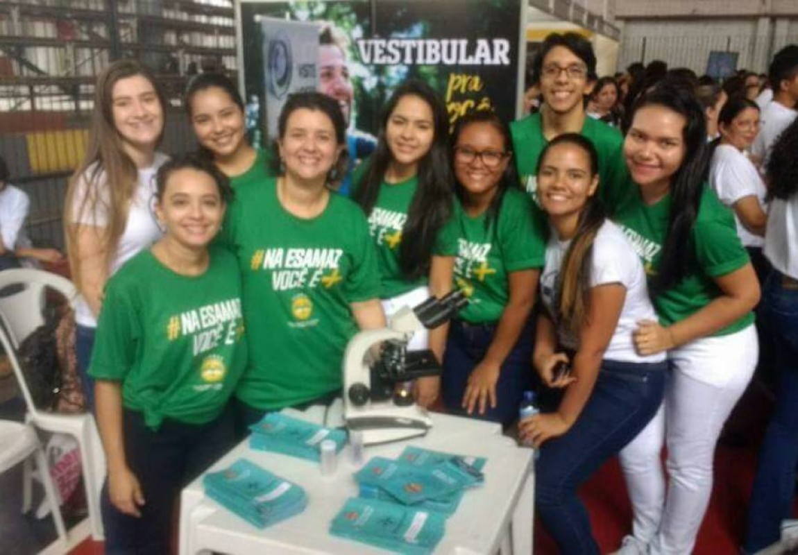 Esamaz participa da Feira Vocacional do Colégio Ideal